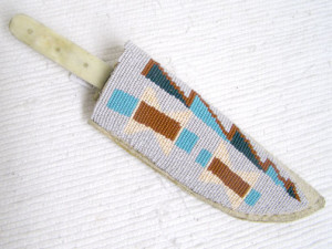 Algonquin-Made-Old-Lakota-Designed-Beaded-Knife-Sheath
