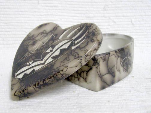 Ceramic Horsehair Small Heart Jewelry Box