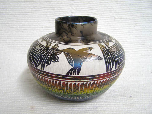 Navajo Fine Etched Horsehair Pot with Hummingbird