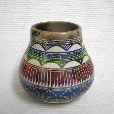 Native American Navajo Fine Etched Horsehair Pot