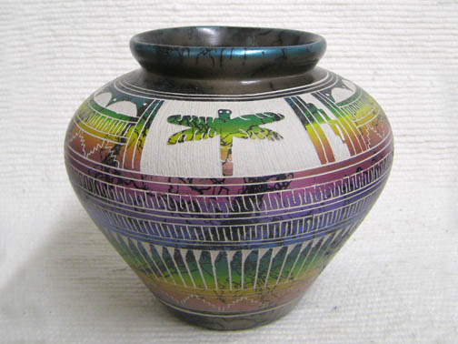 Native American Navajo Fine Etched Horsehair Pot with Dragonfly