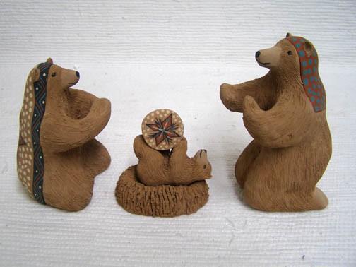 Mata Ortiz Handbuilt and Handpainted Bear Nativity